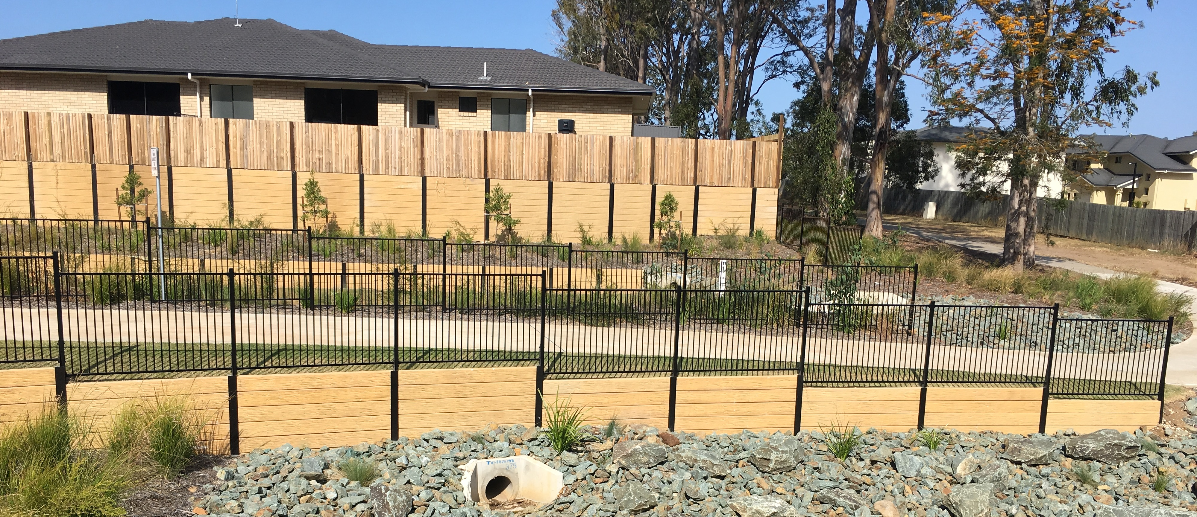 Concrete Sleeper Retaining Wall Installation Brisbane